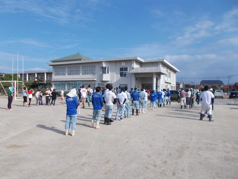 毎年恒例の益田川清掃活動に参加してきました。